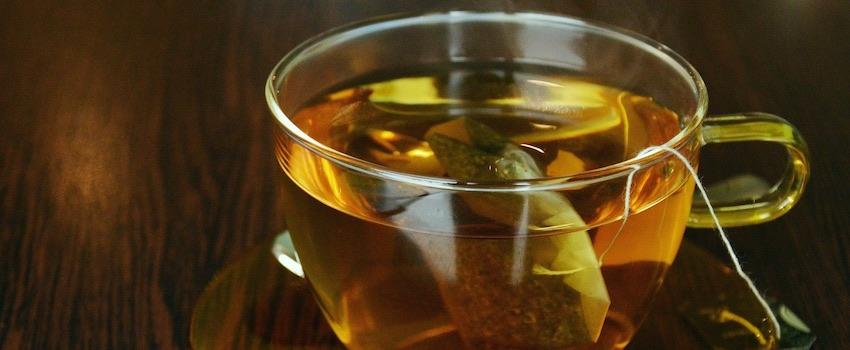 CBD Tee zubereiten